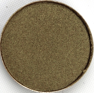 mac-sumptuous-olive-eyeshadow-closeup